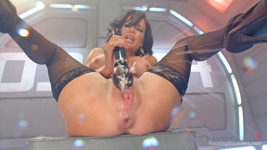Veronica Avluv squirting-0-06-59-819