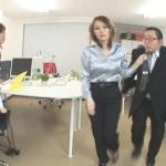 Hitomi Tomoka & Matsuda Aya  – Pissing on boss.