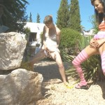 Mia and Beata – Peeing like boys.