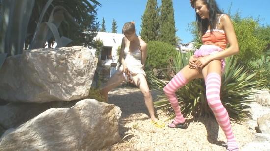Mia and Beata - Peeing like boys-0-00-43-411