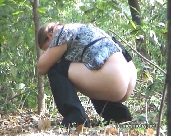 nesmotri Spy pissing in a woods 10. voyeur