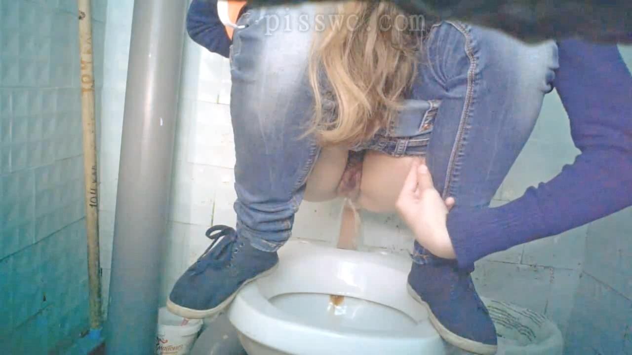 gorode-skritaya-kamera-zhenskom-tualete