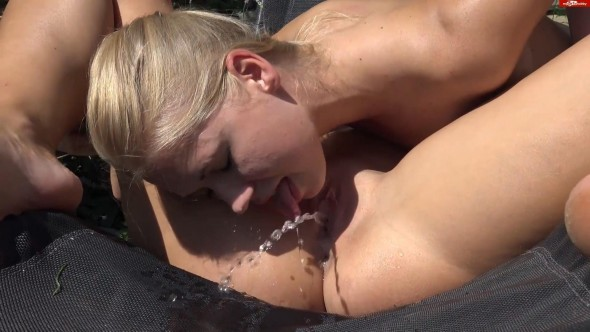 I piss in your mouth Blondie Nchen-0-00-54-780