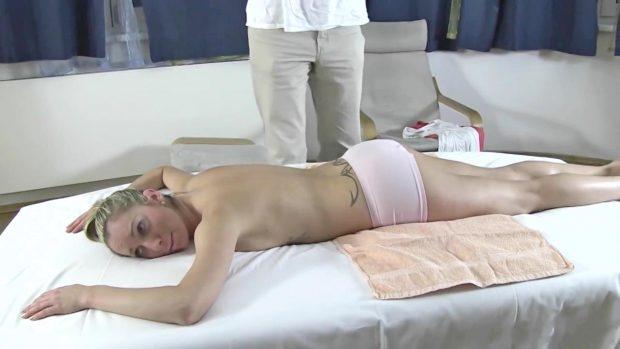 lulu-a-peculiar-masseur-0-03-41-700