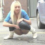Naomi – Pissing scene. Lovewetting.