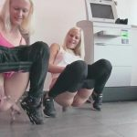 Blondehexe and Lara-CumKitten – Public Piss! Cousins caught while pissing in the bank! MDH.