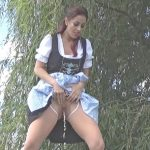 Wet Kelly – Flashing And Peeing In Park.