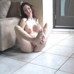 Wet Kelly –  Pee  On My Panties.