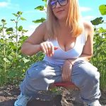 Emma Lovare – Pissing in Sunflower Field.