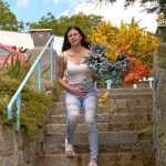 Billie Star – Flowers and jeans wetting.
