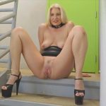 JoannaMeadows – Hot Blonde Milf Piss on stairs.